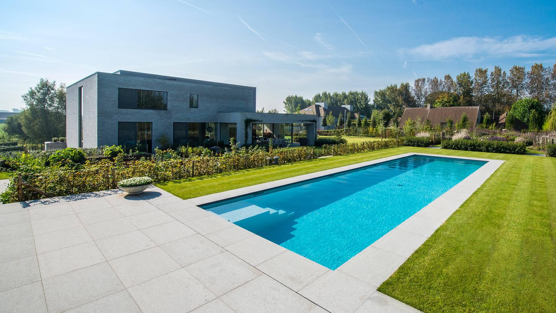 Zwembad te kortrijk zwembaden parydel zwembaden for Zwembad inbouw